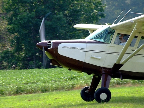 Stinson 108 Station Wagon on departure.