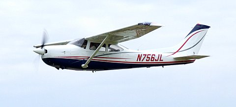 1979 Cessna 182 at Campbell Field Airport
